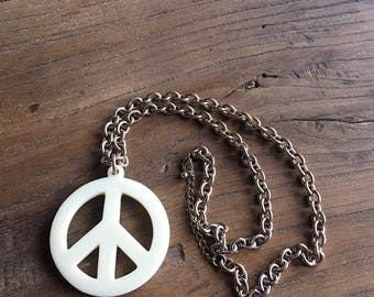 Vintage 90s Oversized Peace Sign Necklace, Chunky Gold Chain, Peace Sign Pendant, Long Necklace, Retro Jewelry