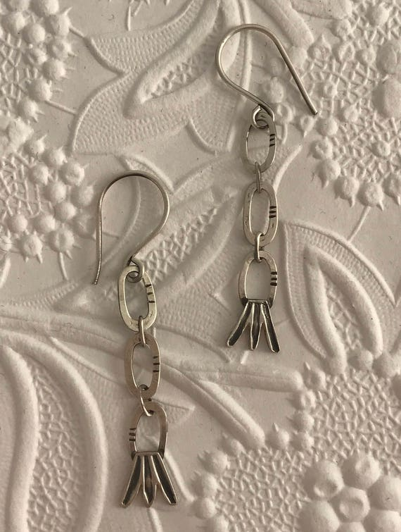Leaf chain earrings