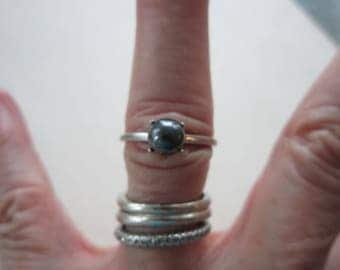 10k White Gold Ring Genuine Black Pearl Size 7 1/2 Vintage 2.13 Grams Very Good Condition