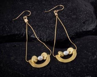 pearl earrings, long dangle earrings, gold earrings, long earrings, long gold earrings, statement earrings, boho earrings, textured earrings