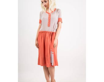 1920s dress / Vintage silk crepe color block drop waist day dress / Grey and coral / S M