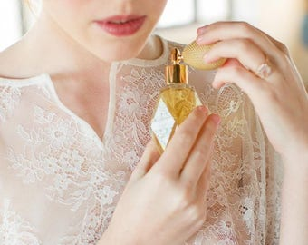 Soleil-Natural Perfume with Ivory Bulb sprayer and golden fitting