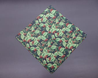 """Holly & Berries, Christmas Luncheon Napkins, Holiday Napkins, Floral Napkins, 14"""" Luncheon Napkins, Hostess Gifts, Newlywed Gifts"""