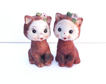 Vintage 1960's Ceramic Kitty Cat Salt and Pepper Shakers