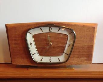 Vintage Recycled Mantel Shelf Clock
