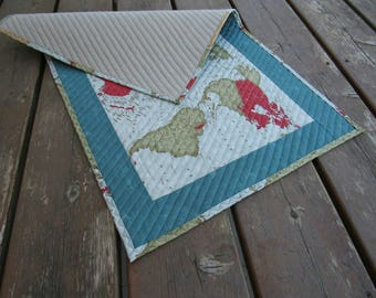 Table Runner, Table topper, quilted table runner, wall hanging, maps, geogpraphy, world map, earth, atlas