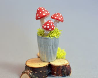 Miniature Mushroom Thimble Garden Fairy or Dollhouse Miniature Halloween Witch Potion Toadstool Red and White Mushroom