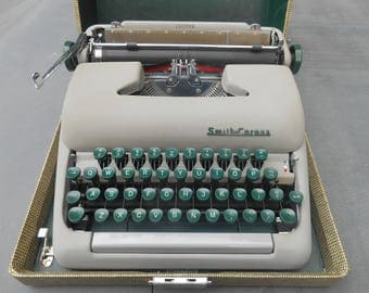 Vintage Portable Typewriter Smith Corona Clipper with Carrying Case Metal with Green Keys Working Condition Literary Wedding Photo Prop