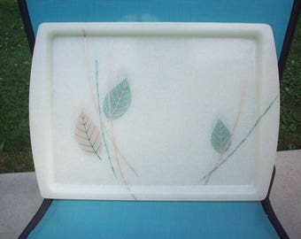2 BAMBOO ASIAN TIKI Fiberglass Lap Trays Green Gold Leaves Snacks Serving Mid-Century