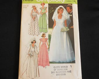 Simplicity Pattern 7886 size 10 Adult Woman Wedding Dress 1977 Formal Bridesmaid Gown Bust 32.5 Waist 25 Square Neckline Sleeve Options