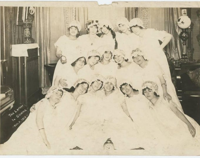 """Vintage Snapshot Photo: """"The Latest in Gowns, Oct 7, 1913"""" 5x7 (78598)"""