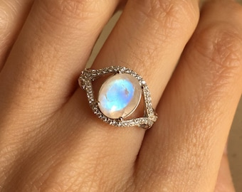 Moonstone Engagement Ring- Oval Rainbow Moonstone Ring- Halo Moonstone Promise Ring-  Solitaire Boho Ring- June Birthstone Ring Moonstone