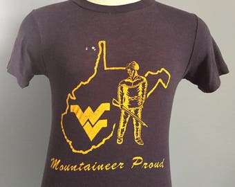 80s Vintage WVU West Virginia University Mountaineers Mountaineer Proud ncaa college T-Shirt - XS X-SMALL