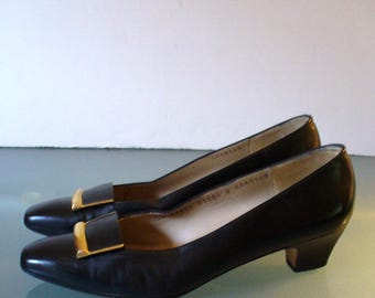 Salvatore Ferragamo Made in Italy  Black Leather Pumps Size 9AAAA