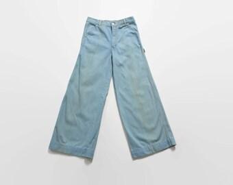 Vintage 70s BELLBOTTOMS / 1970s Light Blue Denim Wide Leg Bellbottom Flares 31 x 30