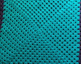 Handmade crochet baby blanket, chunky knit lap blanket, granny square blanket,traditional pattern blanket