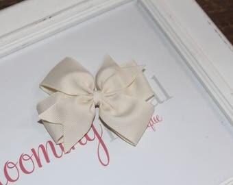 """Ivory Large 4"""" Pinwheel Bow"""