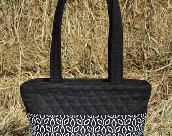 Black White Quilted Handbag, Black White Zippered Bag, Quilted Bag, Quilted Purse, Black White Quilted Tote, Black White Bag, White Black