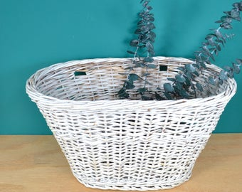 White Wicker Bicycle Basket, Vintage Bike Basket Painted White, Oval Straw Bike Basket, Old Fashioned Cruiser Bike Accessory, Door Decor