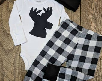 Newborn coming home outfit, Black plaid deer outfit, Baby boy going home set, Coming home from hospital outfit, Lumberjack baby outfit