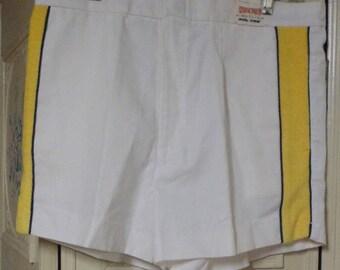 Mens White Tennis Shorts, Size 34, Never Worn
