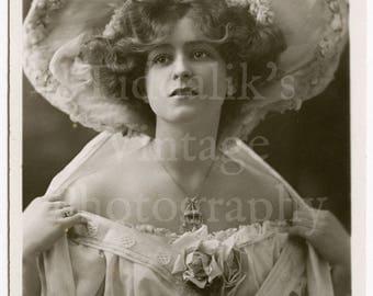 Miss Gabrielle Ray Edwardian Actress  RPPC Postcard - W & D Downey - Unused