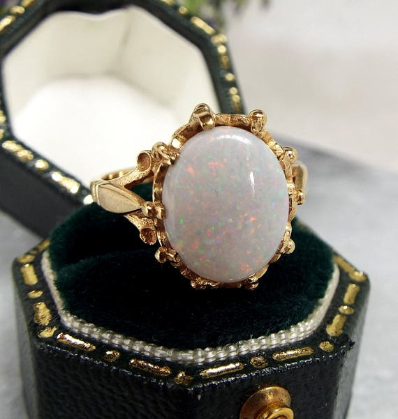 Vintage 1978 9ct Yellow Gold Genuine Glittery White Opal Crown Ring / Size M