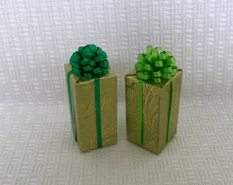Dutch Tulip Flower Paper w Green Bows