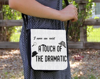 A Touch of the Dramatic Small Messenger / Shoulder Bag