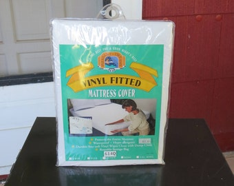 Vintage 1980s 1990s NOS queen vinyl fitted mattress cover Pleasant Dreams (62417)