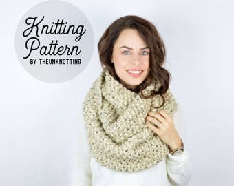 PATTERN // The Essential Scarf // Chunky Knit Infinity Scarf