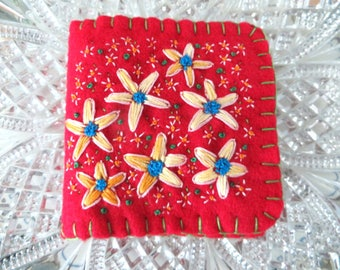 Embroidered Felt Needlecase, Flower Needlebook, Ecofelt Needle Book
