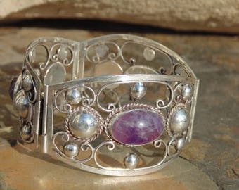 Mexico Silver ~ Vintage Curved 3 Panel Wide Scroll and Half Globe Design with Oval Amethyst Centers - 44 Grams