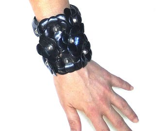 70% OFF SALE Leather cuff with flowers. Womens Leather bracelet. Floral cuff handmade in Italy. Blue Black bracialet. Sale jewelry.