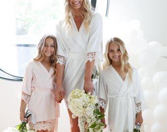 Flower Girl Robe // Bridal Robe // Bride Robe // Bridal Party Robes // Bridesmaid Gift // Silky Robe // Satin Robe // Robe // Lauren