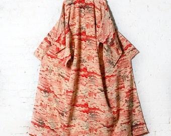 Beautiful Vintage Printed Silk Japanese Kimono Robe