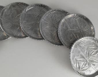 Set of 8 Everlast Forged Aluminum Coasters Flowered Bamboo Motif