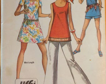 Simplicity 8259 Jiffy Scoop Neck Mini Dress, Tunic with Pull on Pants or Shorts - Size 12
