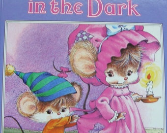 A Happy Ending Book - Adventure in the Dark (Afraid of the Dark) - Children's Picture Story Book
