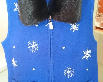 Lisa International Christmas Snowflake Sweater Vest/M/ Detachable Faux Fur Collar/ Tacky Sweater Party/ Craft Project/ New-never worn/ Pearl