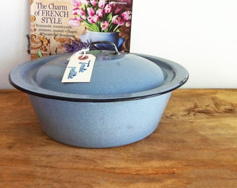 Vintage Blue Enamelware Pot/ Enamel Pot with Lid/Camping Pot/Vintage Enamel Pot/Enamel Cooking Pot/Enamel Cookware/Blue Enamelware Pot