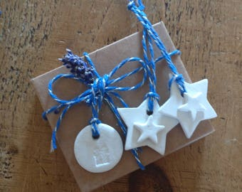 8 clay star tags/party favours/Christmas decoration/keepsake.