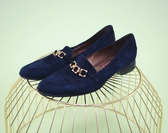 Gorgeous midnight navy suede Cole Haan loafers with bright gold buckle