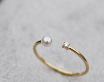 18k Diamond Ring with Akoya Pearl. Delicate and Elegant Stackable ring. Japanese Natural Sea Water Akoya Pearl ring. Yellow Gold ring