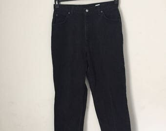 black high-waisted vintage levi jeans - size 14 - tapered
