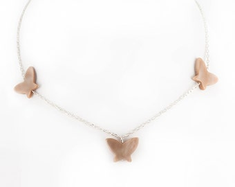 BUTTERFLY 3 Pearly beige silver chain necklace
