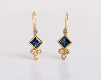 Blue Sapphire Dangle Earrings 18k Gold, Saphire Dangle Earrings, Square Bezel Dangle, Champagne Diamonds & Sapphire Earring, Blue Birthstone