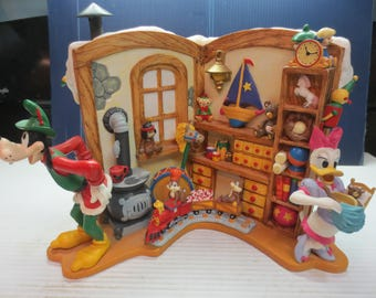 Rare Disney Holiday Bustle In The Workshop Limited Production Christmas 1993