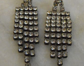 Rhinestone Dangle Pierced Earrings Vintage