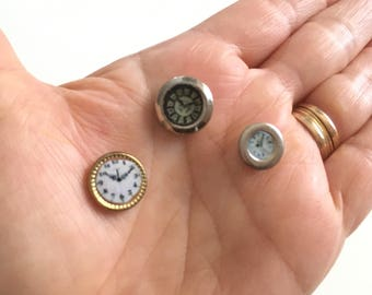 Miniature wall clock 1/12 or 1/24 scale, 5 variations